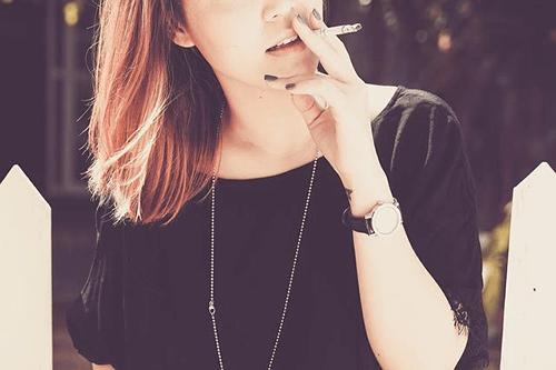 ビタミンがとれる電子タバコって?健康への影響は?